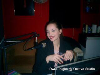 Δώρα Τσίγκα @ Studio (Ραδιοενεργή Προπαρασκευή)